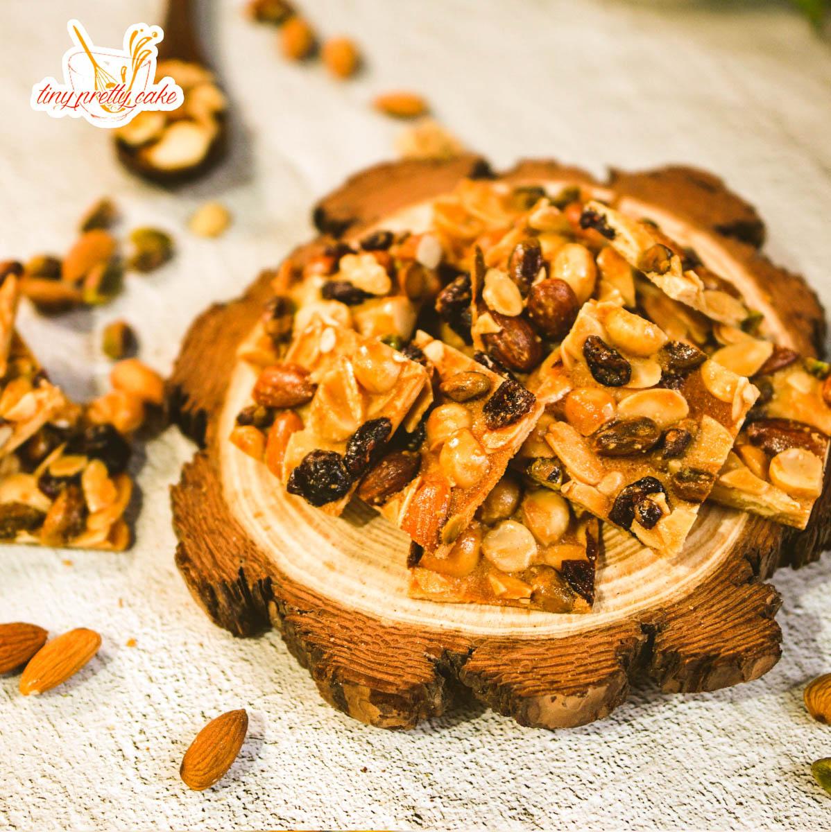 roya_mixed_nuts01